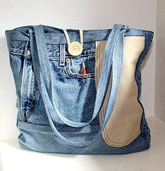 Recycle a pair of jeans! #bag #recycle maybe this is what I'll do with my favorite old 7th grade jeans that finally lost their oomph. ):
