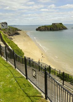 South Beach, Tenby, Wales, UK - one of my favourite local beaches, just a few short miles away from my home. Cardiff Wales, Wales Uk, South Wales, England Countryside, Uk Beaches, Visit Wales, Uk Holidays, Places Of Interest, British Isles