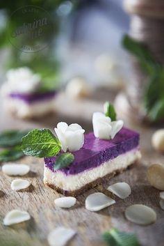 DIY Rezept: Macadamia-Heidelbeer-Käsekuchen backen // diy recipe: how to bake macadamia nut blueberry cheese cake via DaWanda.com