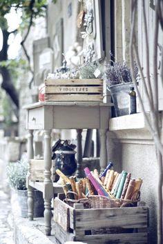 Ideen Zur Einrichtung Von Wohnung Und Haus. Schränke, Tische Und Lampen.  Mit Freundlicher Unterstützung Von Www.HarmonyMinds.de