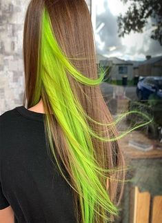 Awesome Green Hair With Hidden Yellow Hair Color Ideas – Awesome Green Hair Wit… - Modern Under Hair Dye, Under Hair Color, Hair Color Underneath, Hidden Hair Color, Cool Hair Color, Green Hair Streaks, Yellow Hair Dye, Dyed Hair Blue, Short Dyed Hair