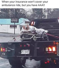 ideas funny stuff to make me laugh humor hilarious jokes for 2019 Funny Car Memes, Car Humor, Funny Cars, Ambulance Humor, Funny Humor, Hilarious Jokes, Dankest Memes, Cool Pictures, Suppers
