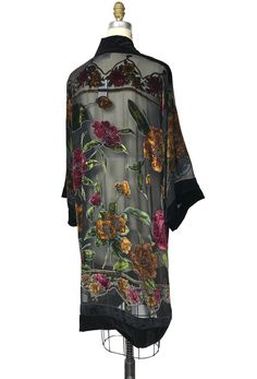 Boho Outfits, Vintage Outfits, Fashion Outfits, Kimono Fashion, Boho Fashion, 1920s Looks, Velvet Shawl, Art Deco Fashion, Bohemian Style