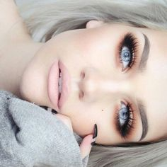 Image via We Heart It https://weheartit.com/entry/161391396 #beauty #blonde #eyes #fashion #girly #gorgeous #makeup #nails #sweater #samantharavndahl