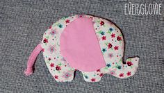 Microwave Heating Pad in elephant shape for a baby girl! Microwave Heating Pads can be placed on baby's tummy to relieve colic. Σακουλάκι που ζεστένεται στο φούρνο μικροκυμάτων σε σχήμα ελέφαντα για ένα κοριτσάκι! Σακουλάκι που ζεστένεται στο φούρνο μικροκυμάτων για ανακούφιση από τους βρεφικούς κολικούς. #everglowe