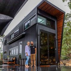 Tiny House Living 85510 Shipping Container Home Designed For Sustainable Family Living Modern Tiny House, Tiny House Cabin, Small House Design, Tiny House Plans, Modern House Design, Tiny House For Big Family, Building A Tiny House, Tiny House Shipping Container, Building A Container Home