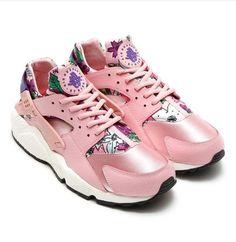 6b51759e29f3 for sneakers Nike WMNS Air Huarache Run Print Floral Pale Pink Flowers Club  Purple