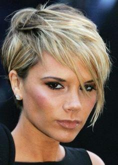 Les 114 meilleures images de Carré victoria Beckham   Coupe de cheveux courte, Coiffures cheveux ...