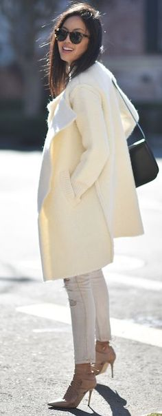 Shades Of Bright Neutrals Fall Street Style Inspo by 9to5 Chic