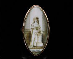 Bagues anciennes / Baroque / Bague ancienne en or et miniature du 18e siècle.