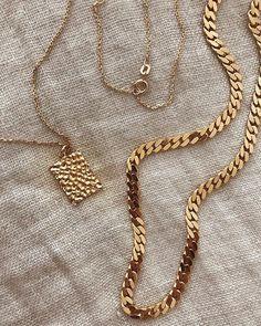 #Camillebrinch Golden Chains 💖 #Smykker #Jewellery #Feminine #Rå Cute Jewelry, Gold Jewelry, Jewelry Accessories, Fashion Accessories, Jewelry Necklaces, Beaded Bracelets, Dainty Earrings, Diamond Are A Girls Best Friend, Wedding Jewelry