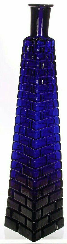 113 best Most Beautiful Color images Old Bottles, Antique Bottles, Antique Glass, Glass Bottles, Perfume Bottles, Cobalt Glass, Cobalt Blue, Blue Vases, Glass Art