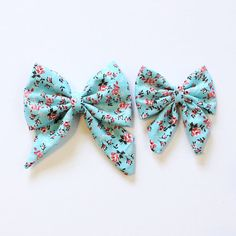 Items similar to christmas gingerbread man and candy cane large sailor bow headband elastic hair bow- baby toddler kids adult bow clip- christmas headband on Etsy Fabric Hair Bows, Diy Hair Bows, Headband Hair, Headbands, Christmas Gingerbread Men, Hair Decorations, Minnie, Baby Bows, Vintage Flowers