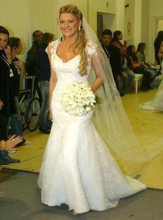 vestidos de noiva estilo princesa para baixinhas - Pesquisa Google