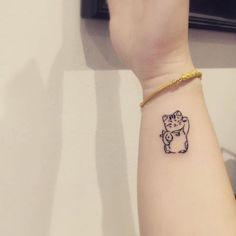 47 Of The Very Best Cat Tattoos Cat tattoo Lucky Cat Tattoo, Cute Cat Tattoo, Kawaii Tattoo, Simple Cat Tattoo, Star Tattoos, Mini Tattoos, Body Art Tattoos, Tattoos Skull, Sweet Tattoos
