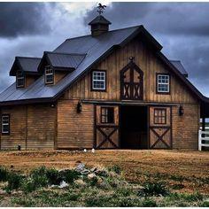 my dream barn house Barn Shop, Barn Pictures, Country Barns, Country Life, Country Living, Barn Living, Barns Sheds, Dream Barn, Farm Barn