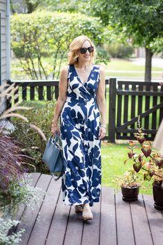 Navy Floral Maxi Dress Love - Kathrine Eldridge, Wardrobe Stylist Summer Maxi, Summer Outfits, Summer Dresses, Tie Dye Dress, Wrap Dress, Navy Floral Maxi Dress, Dress Sandals, Wrap Style, Color Combos