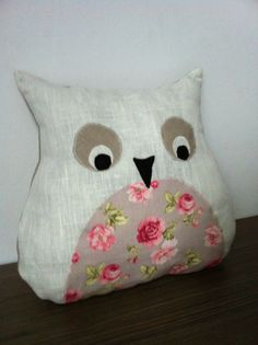 coussin chouette en appliqué Decoration, Owls, Throw Pillows, Couture, Sewing, Diy, Cushions, Child Room, Projects