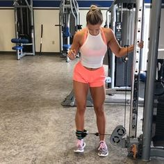 Video DEMOS for my newest glute plan! This is a sample of a couple exercises. It's 5 weeks, 3 days a week! 2 are glutes, the other is… Leg Butt Workout, Cable Workout, Buttocks Workout, Butt Workouts, Gym Plans, Fit Couples, No Equipment Workout, Workout Videos, Fitness Inspiration