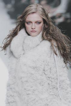 Punk Fashion, Fashion News, Fashion Trends, Fasion, Luxury Brand Names, Vlada Roslyakova, Brand Name Clothing, International Style, Winter