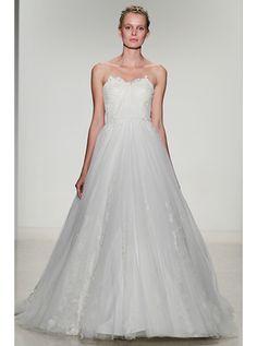 アクア・グラツィエがセレクトした、KELLY FAETANINI(ケリー ファッタニーニ)のウェディングドレス、KF019をご紹介いたします。