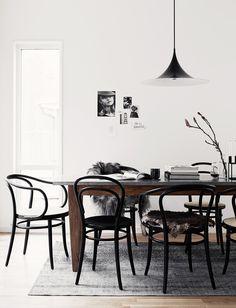 Scandinavian dining room with black bentwood chairs via Ton.eu