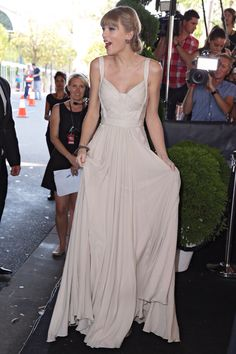New picture of Taylor Swift at the 26th Annual Aria Awards 2012 - Sydney, Australia - November 29, 2012.
