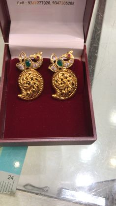 How To Clean Gold Jewelry With Vinegar Clean Gold Jewelry, Gold Rings Jewelry, White Gold Jewelry, Emerald Jewelry, Simple Jewelry, Gold Bangles, Bridal Jewelry, Hand Jewelry, Gold Jhumka Earrings