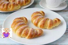 Cornuri cu cremă de vanilie — este imposibil să renunți la ele! - Retete-Usoare.eu Bread Recipes, Cooking Recipes, Sweet Buns, Custard Filling, Ukrainian Recipes, Sugar Craft, Vanilla Sugar, Mini Desserts, Dry Yeast