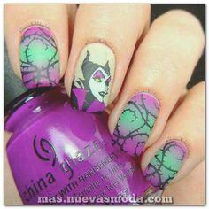 44 Cute Holiday Nail Art Design Ideas Match For Fall And Winter Season Nail Art Designs, Disney Nail Designs, Halloween Nail Designs, Halloween Nail Art, Fancy Nails, Cute Nails, Pretty Nails, My Nails, Holiday Nail Art