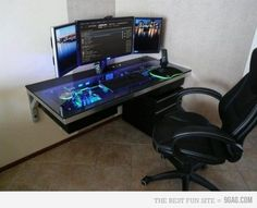 I'm not really a techie but even I want this!  Cool Computer Case Desk
