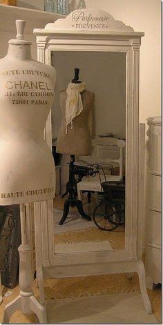 Walk in Closet ~ Dressing Room by niinamaria