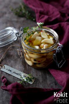 Kokit ja Potit -ruokablogi: Hunaja-yrttimarinoidut valkosipulin kynnet