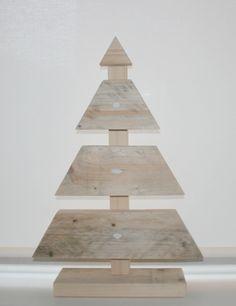Leuk voor de kerst: een kerstboom van steigerhout! Leverbaar in whitewash, greywash, antracietwash en blank.