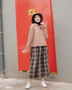 Street Hijab Fashion, Muslim Fashion, Korean Street Fashion, Stylish Hijab, Casual Hijab Outfit, Modest Summer Outfits, Simple Outfits, Look Fashion, Fashion Outfits