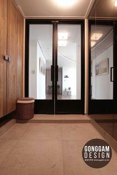 현관 Spa Interior, Lobby Interior, Apartment Interior, Modern Interior Design, Interior Architecture, Interior And Exterior, Asian Architecture, Foyer Design, Entrance Design