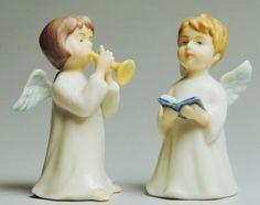 Ангелы   -   статуэтки с крылатыми малышами несут в себе сильную энергию и даже являются оберегом. В доме лучше расположить их на юго-западной стороне, тогда ангел будет придавать силы и вдохновение хозяевам.
