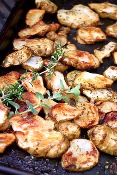 Herb Roasted Sunchokes, often called Jerusalem Artichokes or Sunflower Chokes, are an unusual and delicious vegetable. Healthy Side Dishes, Veggie Dishes, Vegetable Recipes, Vegetarian Recipes, Healthy Recipes, Vegan Vegetarian, Veggie Meals, Fruit Recipes, Vegan Food