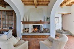 Villa Odissea || Italien - Toskana || Arezzo, 11 Schlafzimmer, Privater Pool. Bei Castelfranco di Sopra liegt dieses ruhig und idyllisch im Grünen gelegene Anwesen, von dem aus man einen wunderbaren, weiten Blick in die landschaftliche Umgebung geniesst. Das Anwesen verteilt sich über zwei Häuser. #toskanavillen #italyvillas #tuscanyvillas #italianvillas #Toskana #Ferienhaus #Casalio #Urlaub #Reisen #Villa #SonnigeToskana #Luxus #VillaOdissea