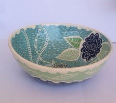 Blue Woodland Wildflower Bowl Large 12 inch Salad Serving Bowl made to order Azul bosques flores silvestres bol grande 12 pulgadas servir Earthenware Clay, Sgraffito, Slab Pottery, Ceramic Pottery, Ceramic Workshop, Ceramic Painting, Painted Ceramics, Clay Bowl, Pottery Designs
