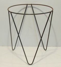 Vintage metal  mid century tripod hairpin plant stand holder