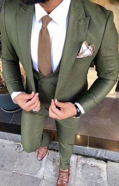 This wool three piece trim fitting custom suit can be recreated for your body measurements by Giorg Costume Vert, Mode Costume, Mens Fashion Suits, Mens Suits, Suit For Men, Mens 3 Piece Suits, Green Wedding Suit, Mens Summer Wedding Suits, Best Wedding Suits For Groom
