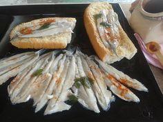 Caro diario, questo piatto è la specialità di Nicola, marito tuttofare che a volte si destreggia anche in cucina. Le alici marinate sono una ricetta antich