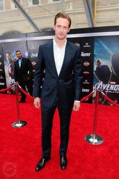 Alexander Skarsgard at the Avengers premiere.  Nice suit.  No tie?