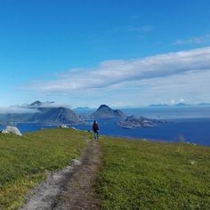 If you love somebody let them go for if they return they were always yours. If they don't they never were.  Kahlil Gibran  #Lofoten #Lofoty #LofotenIslands #islands #ocean #arcticocean #mer #mare #morze #sea #bluesky #clouds #summer #mountains #views #landscape #path #Norway #Scandinavia #Skandynawia #skandynawski #scandinavian #Norvege #Norwegia