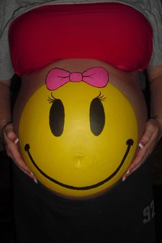 Beautiful: Discover the Belly Painting of future moms . Pregnancy Tattoo, Pregnancy Belly, Bump Painting, Painting Art, Airbrush Body Paint, Pregnant Belly Painting, Belly Art, Belly Bump, Future Maman