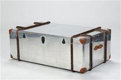 Vare: 3916130Kiste / sofabord af metal og træ. Industrielt design