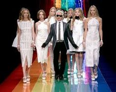 These gay celebrities have had a major contribution to the fashion industry and they are true fashion icons in every way. Karl Lagerfeld, Celebrity List, German Fashion, Vogue Magazine, Runway Models, Get Dressed, Designing Women, Style Icons, High Fashion
