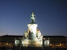 Estátua de D. José I no Terreiro do Paço Statue Of Liberty, Travel, Statue Of, Sidewalk, Lisbon, City, Statue Of Liberty Facts, Liberty Statue, Viajes