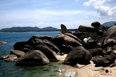Hin Ta Hin Yay - Grandfather and Grandmother Rocks,Samui Attraction.